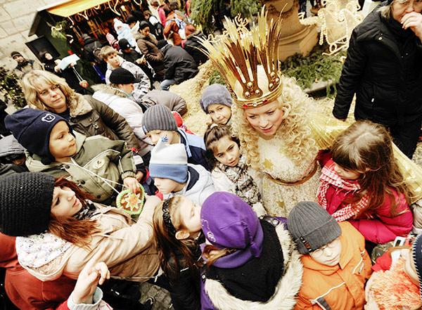 Das Nürnberger Christkind am Sternchenmarkt